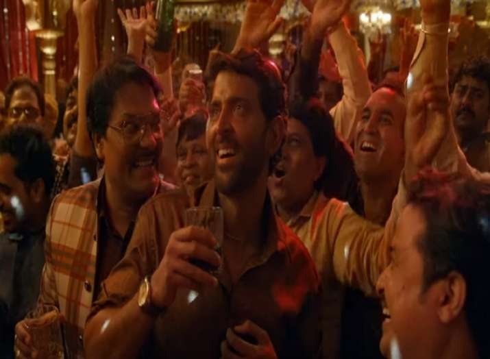 Super 30 song Paisa out: Hrithik Roshan as Anand Kumar explains the importance of money in this upbe