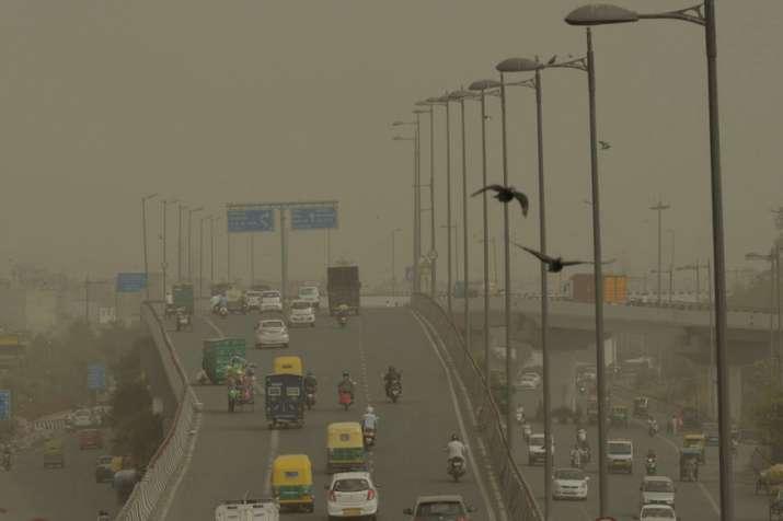 Dust storm hits Delhi-NCR, 'intense rains' predicted