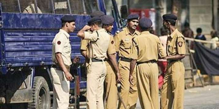305 Lucknow cops booked for traffic violations in a day