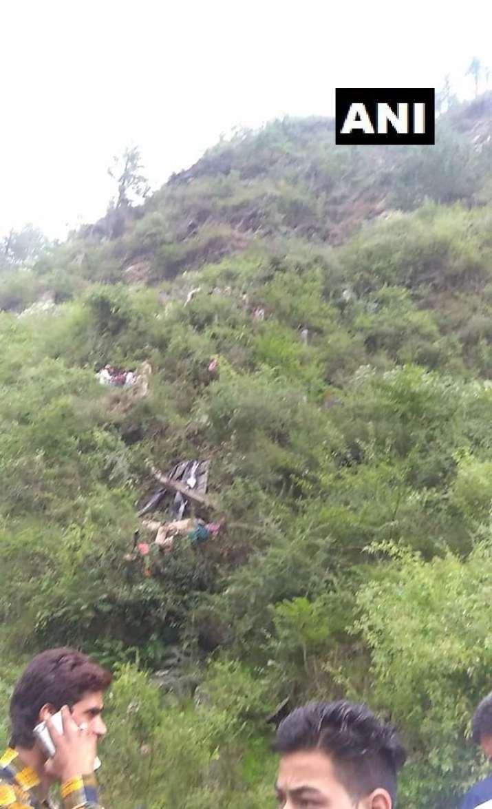India Tv - bus falls into kullu, himachal news, kullu news