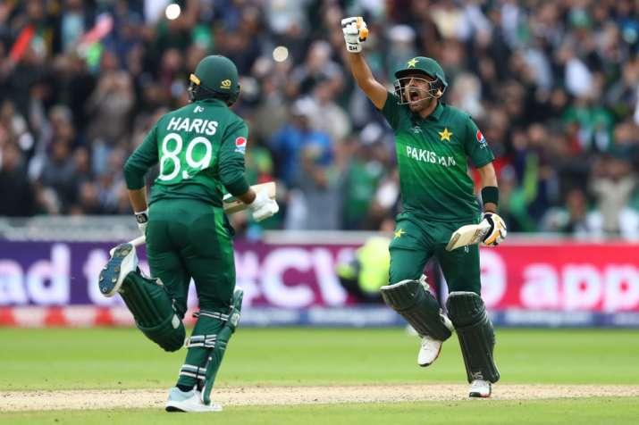 2019 World Cup: Babar Azam hits hundred as Pakistan halt New Zealand's unbeaten run to continue revi