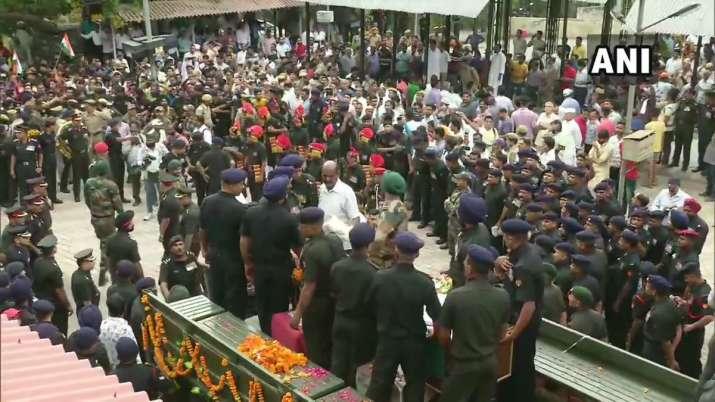 Last rites of Army Major Ketan Sharma being performed at
