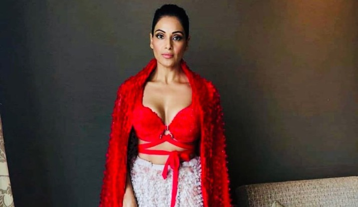 Bipasha Basu is all set to get back in shape, shares a throwback picture to set her fitness goal