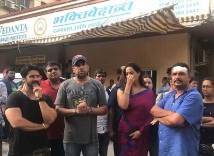 Dev D fame Mahie Gill and other cast, crew of Ekta Kapoor's ALTBalaji show attacked by drunk goons
