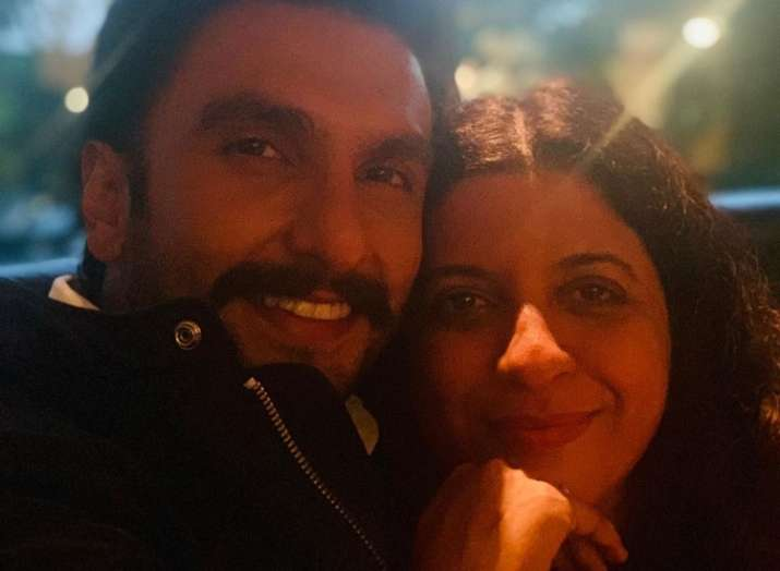 Karan Johar takes us back to Gully Boy days with Ranveer Singh and Zoya Akhtar's selfie