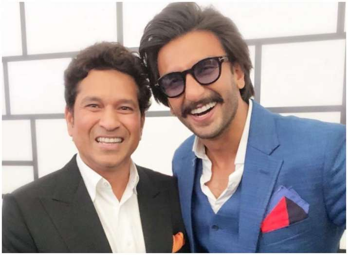 83: Ranveer Singh poses with God of Cricket Sachin