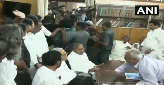 Video: Media covering Ram Vilas Paswan's Rajya Sabha