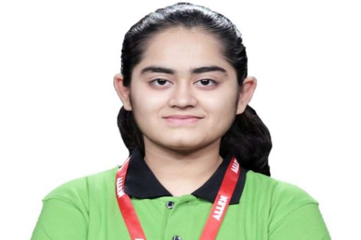 Stuti Khandwala who cracked NEET, AIIMS, JIPMER, JEE Main