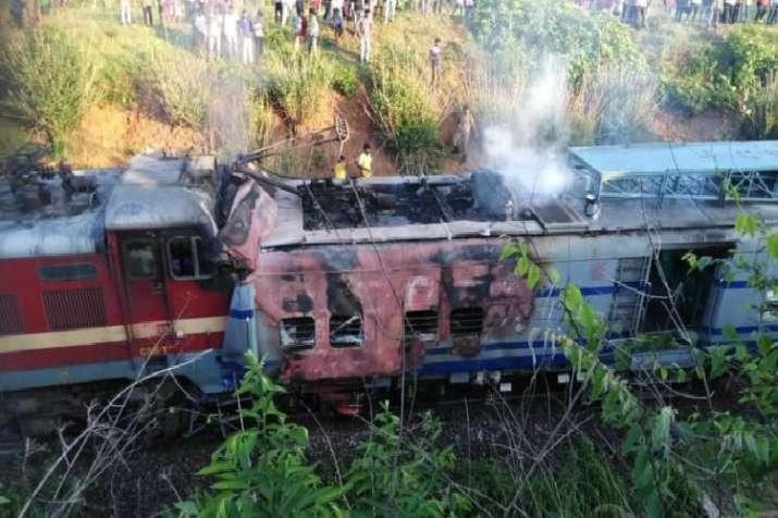 Howrah-Jagdalpur Samaleswari Express after it hits Tower Car