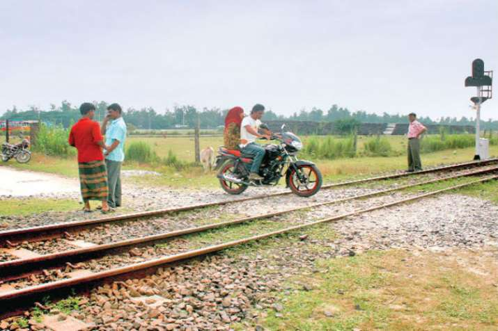 Indian Railways plan to eliminate all 2,568 manned level