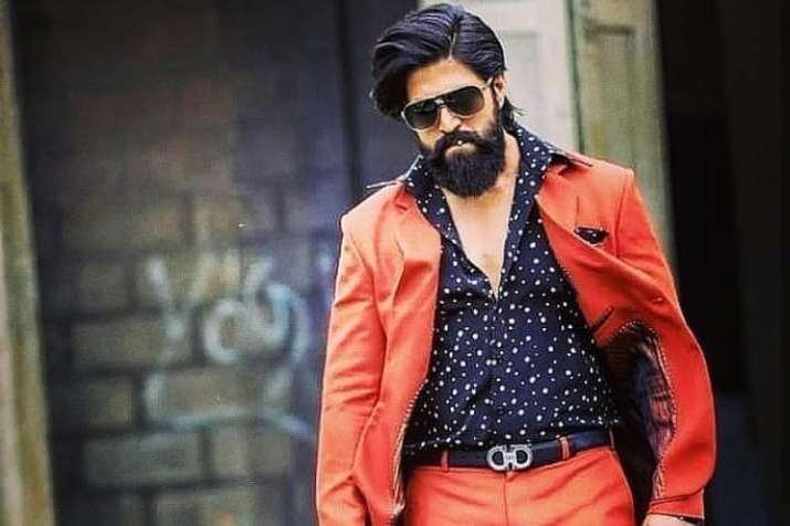 Kannada star Yash and his family land in controversy | Regional News –  India TV