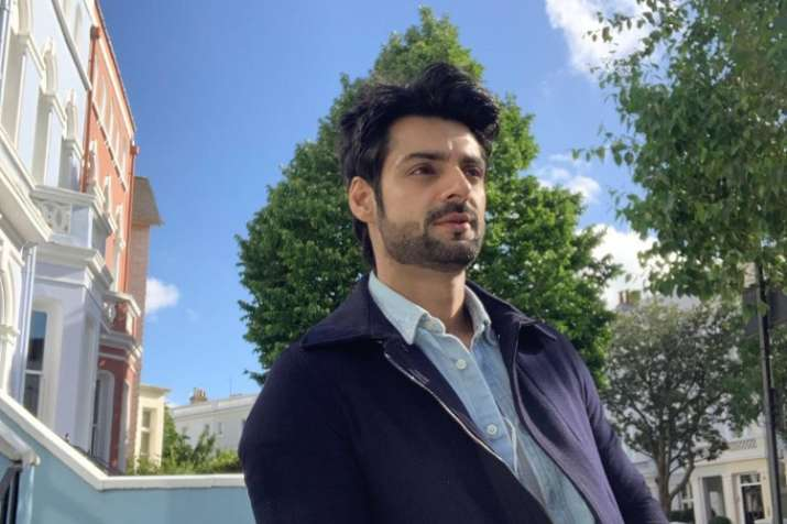Karan Wahi completes 15 years in showbiz