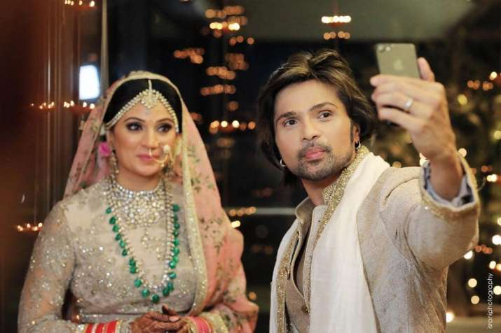 Himesh Reshammiya Birthday Special: 10 Romantic pictures of
