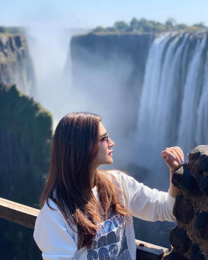 India Tv - Kriti Sanon's picture is every travelholic's dream click