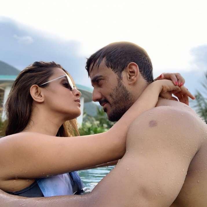 India Tv - Shraddha Arya unhappy over Anita Hassanandani being highest paid in Nach Baliye