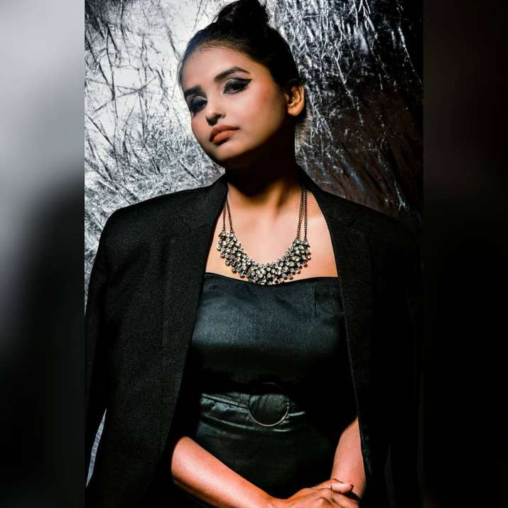 India Tv - Urvashi Vani's looks like a complete diva in black