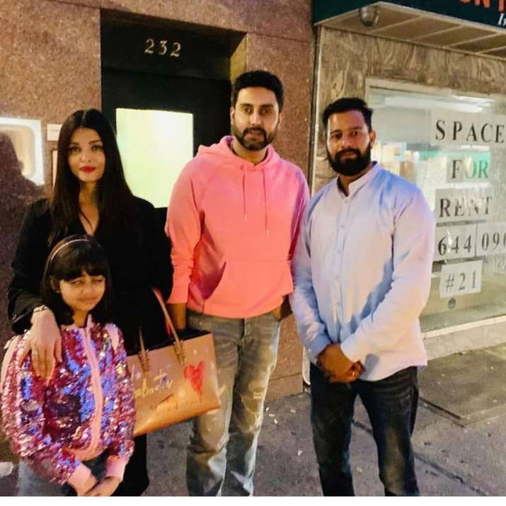 India Tv - Latest News Aishwarya Rai Bachchan roams around with Abhishek and Aaradhya on New York streets