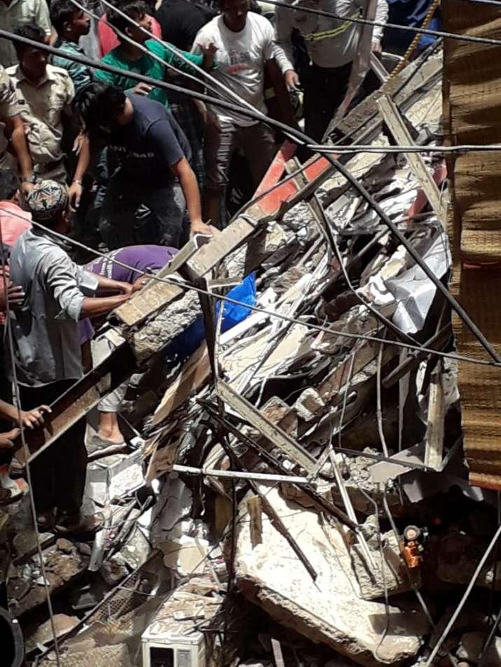 India Tv - Kesarbai building collapses in Mumbai's Dongri