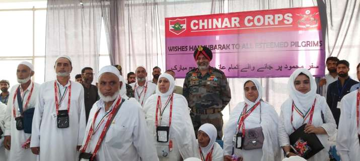 Indian Army General wishes Hajj Yatris, calls them 'lucky