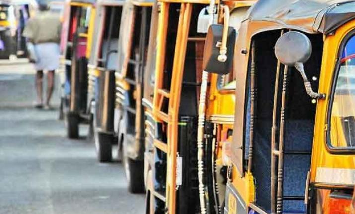 Mumbai autorickshaw drivers call off proposed strike