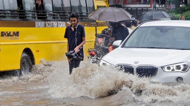 Mumbai Rains Updates: Heavy rain has lashed Mumbai and its neighbouring areas - the downpur entering