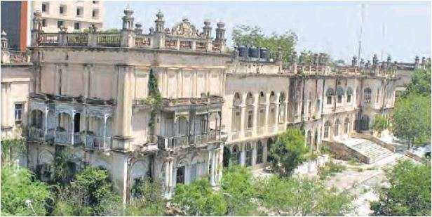 Errum Manzil heirs move HC for compensation; seek stay on
