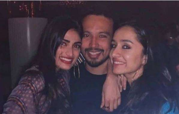 India Tv - Shraddha Kapoor's father Shakti Kapoor reacts to actress' wedding rumours with beau Rohan Shrestha