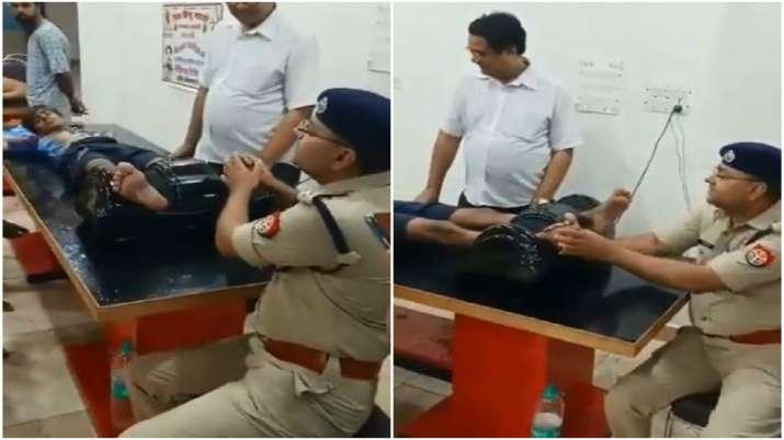 Shamli Police officer gives foot massage to kanwariya