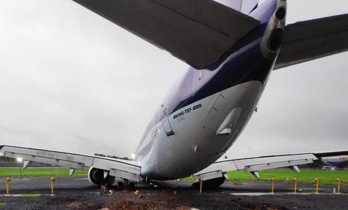 Air India team pulls back stuck SpiceJet plane