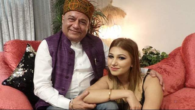 India Tv - Anup Jalota and Jasleen Matharu