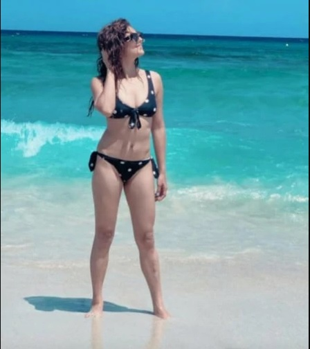 India Tv - Drashti Dhami looks stunning in polka-dotted swimsuit with husband Neeraj Khemka in Spain