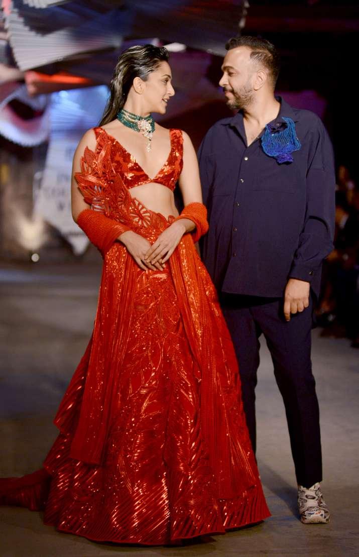 India Tv - Kiara Advani walks the ramp