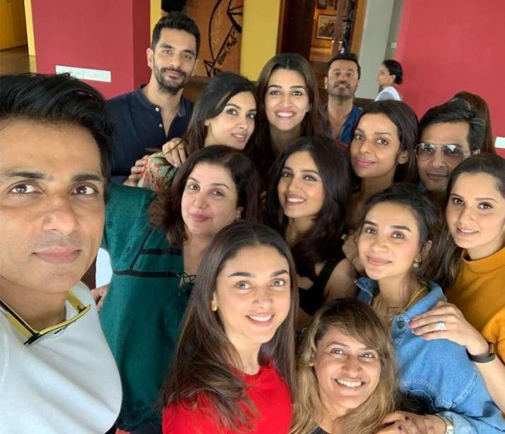 India Tv - Farah Khan's Sunday lunch