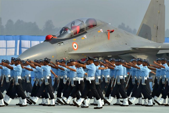 AOC-in-C, Western Air Command, reviews security setup of