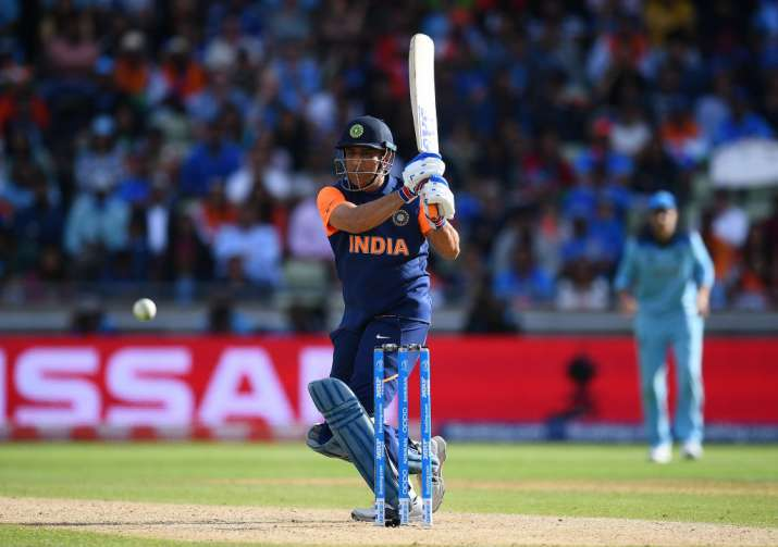2019 World Cup: Five out of seven games MS Dhoni has done the job for the team, says Sanjay Bangar