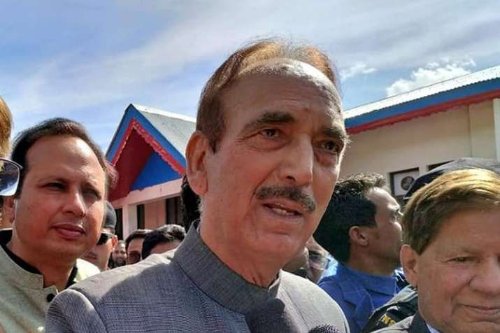 Ghulam Nabi Azad, Hariprasad rush to Bengaluru as Karnataka