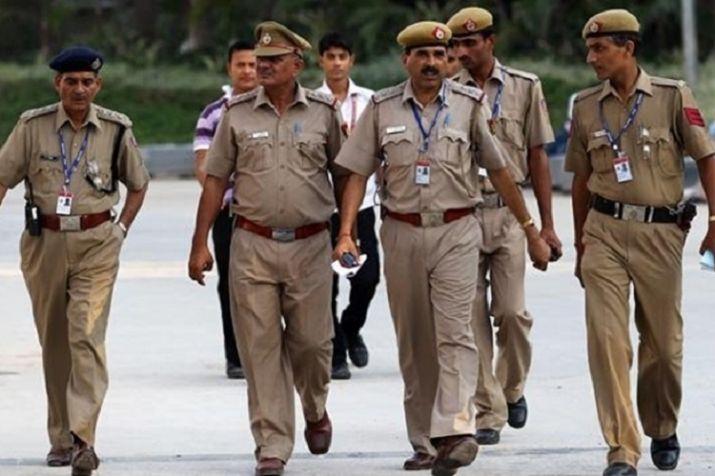Delhi Police arrest 3, bust arms smugglers' gang