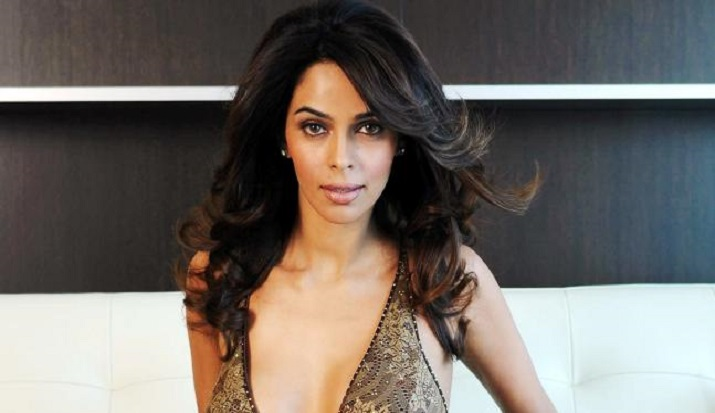 Mallika Sherawat reveals a producer asked her to prove 'hotness' by frying eggs on her belly