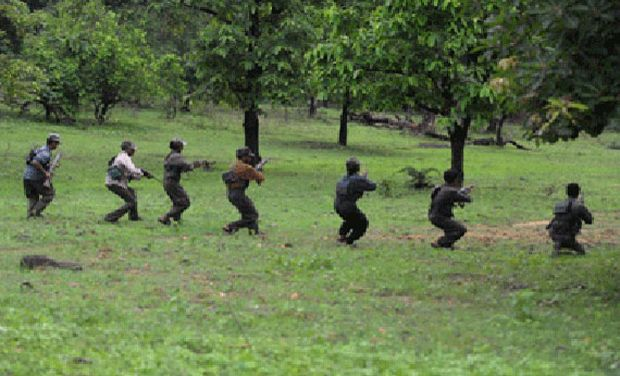 Maoists attack 'police informer' in Jharkhand
