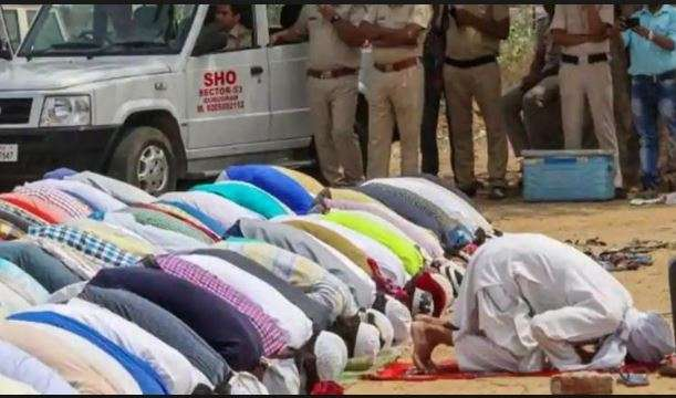 Hanuman Chalisa' recited on UP road to oppose 'namaaz' on