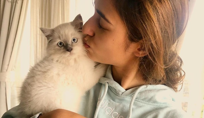 Disha Patani's adorable picture with her cat is the cutest