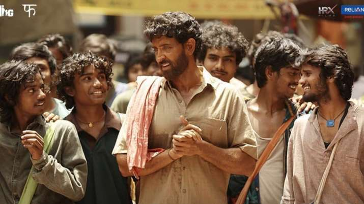 India Tv - Super 30 Movie Review: Hrithik Roshan as Anand Kumar impresses in this inspiring life story