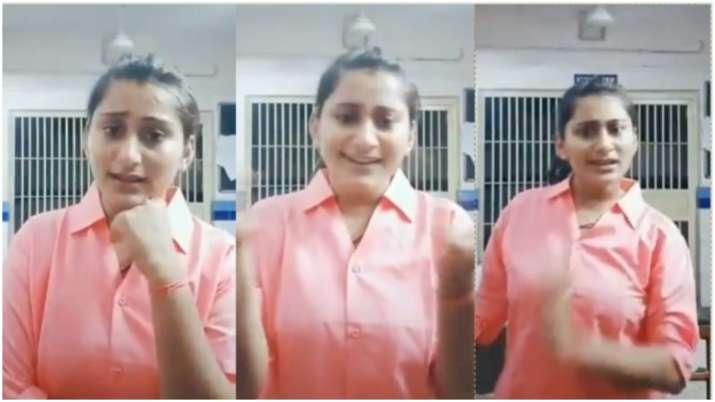 Policewoman in Gujrat shoots TikTok video in police