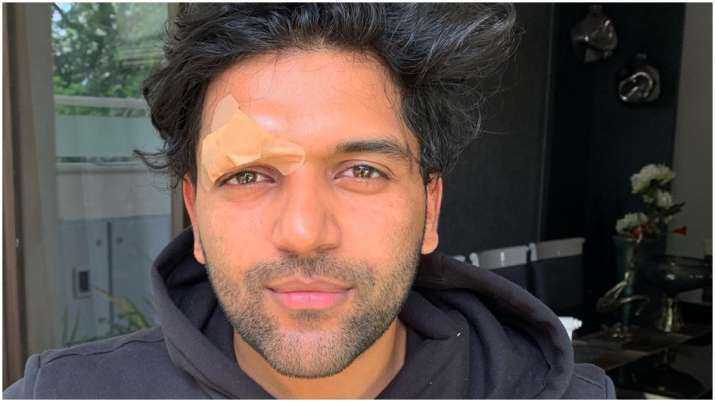 Assaulted Latest News Guru Randhawa was in Canada for a concert. On 28th July, after the singer wra
