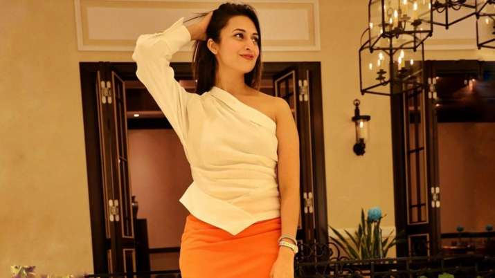 Divyanka Tripathi shares a lesson to get the perfect click