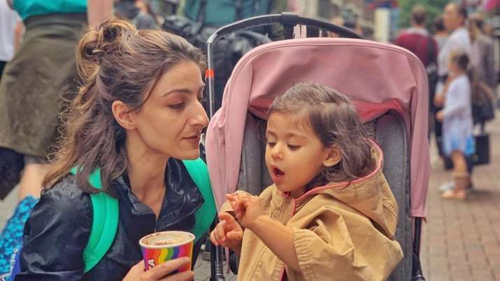 Soha Ali Khan gets trolled for sharing picture with daughter Inaaya, internet asks if that is FaceAp