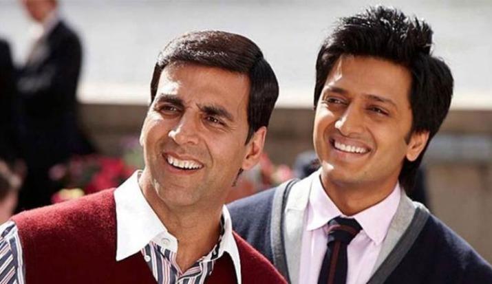 Akshay Kumar and Riteish Deshmukh's fun banter on #BottleCapChallenge