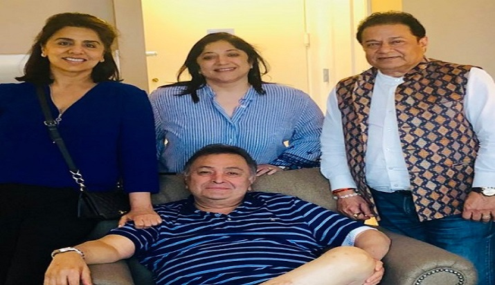 Anup Jalota pays a visit to Rishi Kapoor in New York