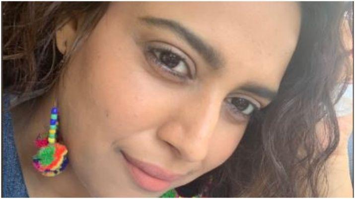Swara Bhasker gets brutally trolled for sharing close-up selfie