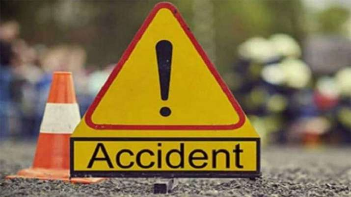 Woman killed, 4 injured after bus hits other vehicles in
